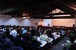 Tresentos alunos ouviram Miguel Portas em Salvaterra. Foto de Paulete Matos