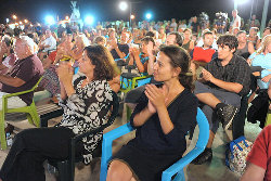 Cecília Honório e Ana Drago marcaram presença me mais um comício do Bloco. Foto de Paulete Matos
