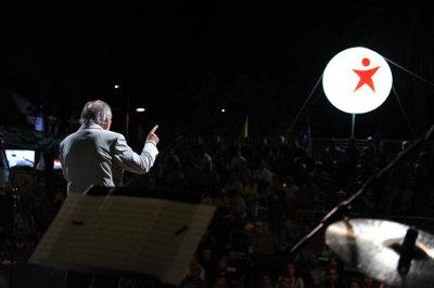 Comício do Bloco em Setúbal, actuação de Fernando Tordo - Foto de Paulete Matos